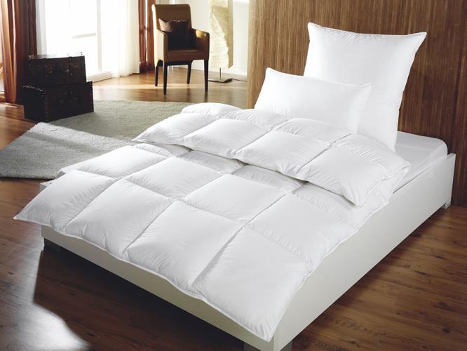 couette moelleuse laquelle choisir pour un confort in gal. Black Bedroom Furniture Sets. Home Design Ideas