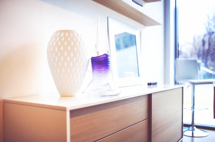 meuble rangement bois vase décoration