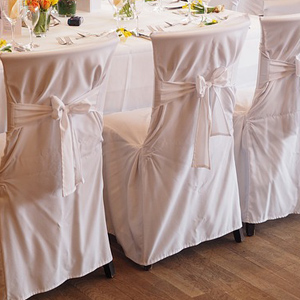 housses chaises blanches