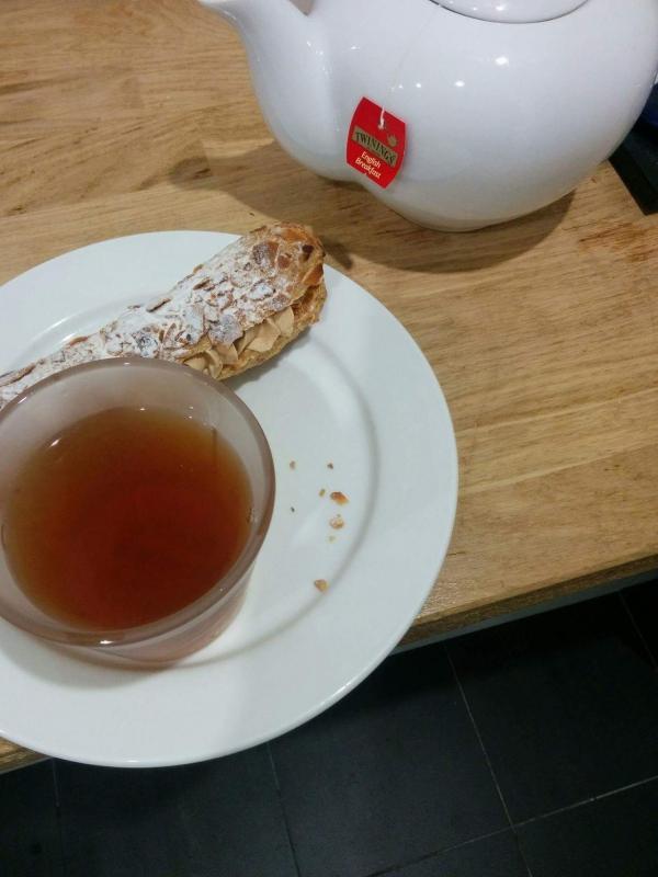 thé et gateau