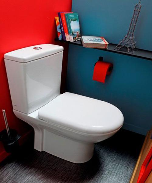 WC rouge bleu